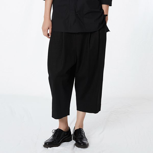 [리릭] COTTON BLEND 3-TUCK SHORTS BLACK (WOMEN)