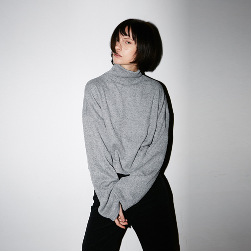 [호웰] HOWELL CROP TURTLENECK_GRAY
