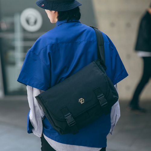 [DIEZ] ABSOLUTE MESSENGER BAG / BLACK