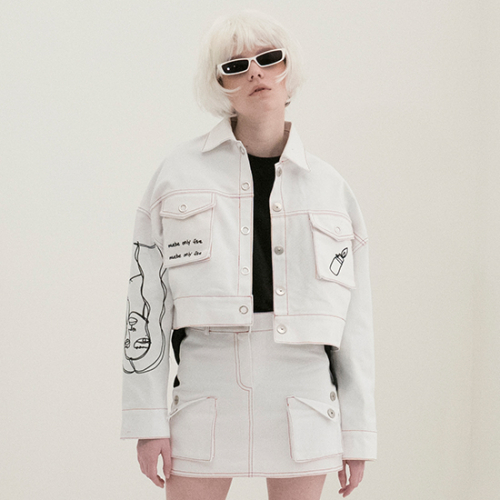 [비에이블투] Scribble Crop Trucker Jacket (WHITE)
