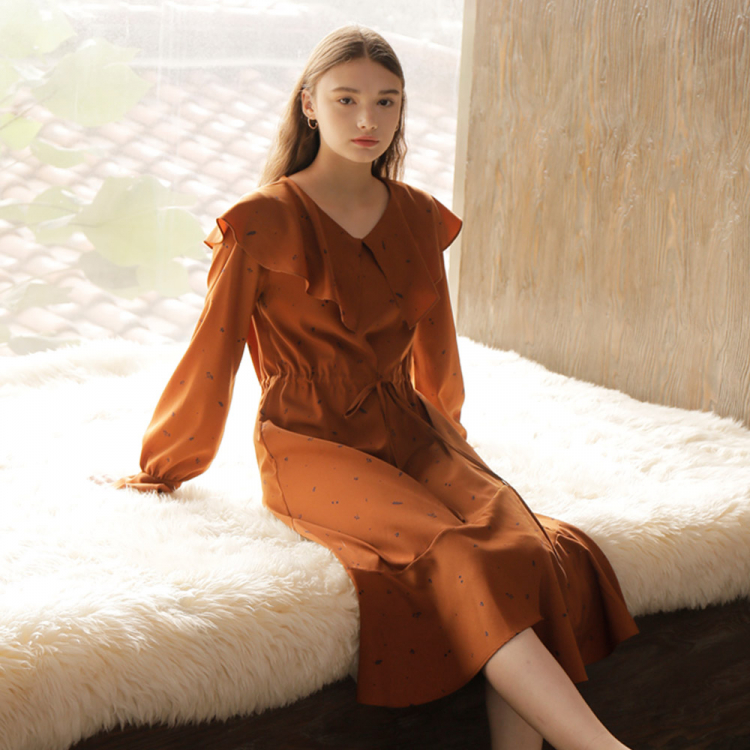 [와드로브] FLARE COLLAR ONE-PIECE_BROWN